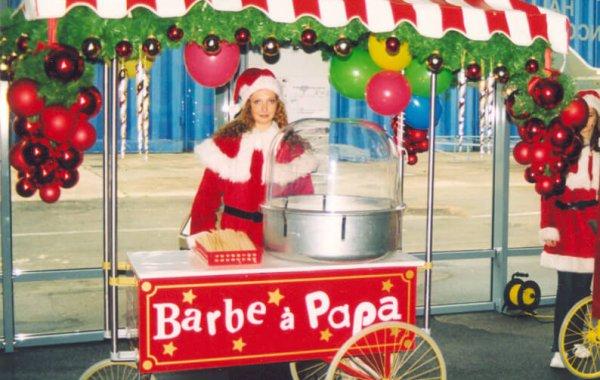 Stand barbe à papa sur grand chariot Noël