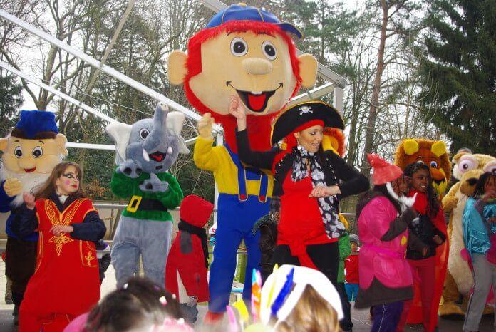 Carnaval – Mardi gras 2019 – Réservez vos locations de mascottes et stand maquillage.
